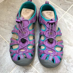 Keen sandals in purple and teal